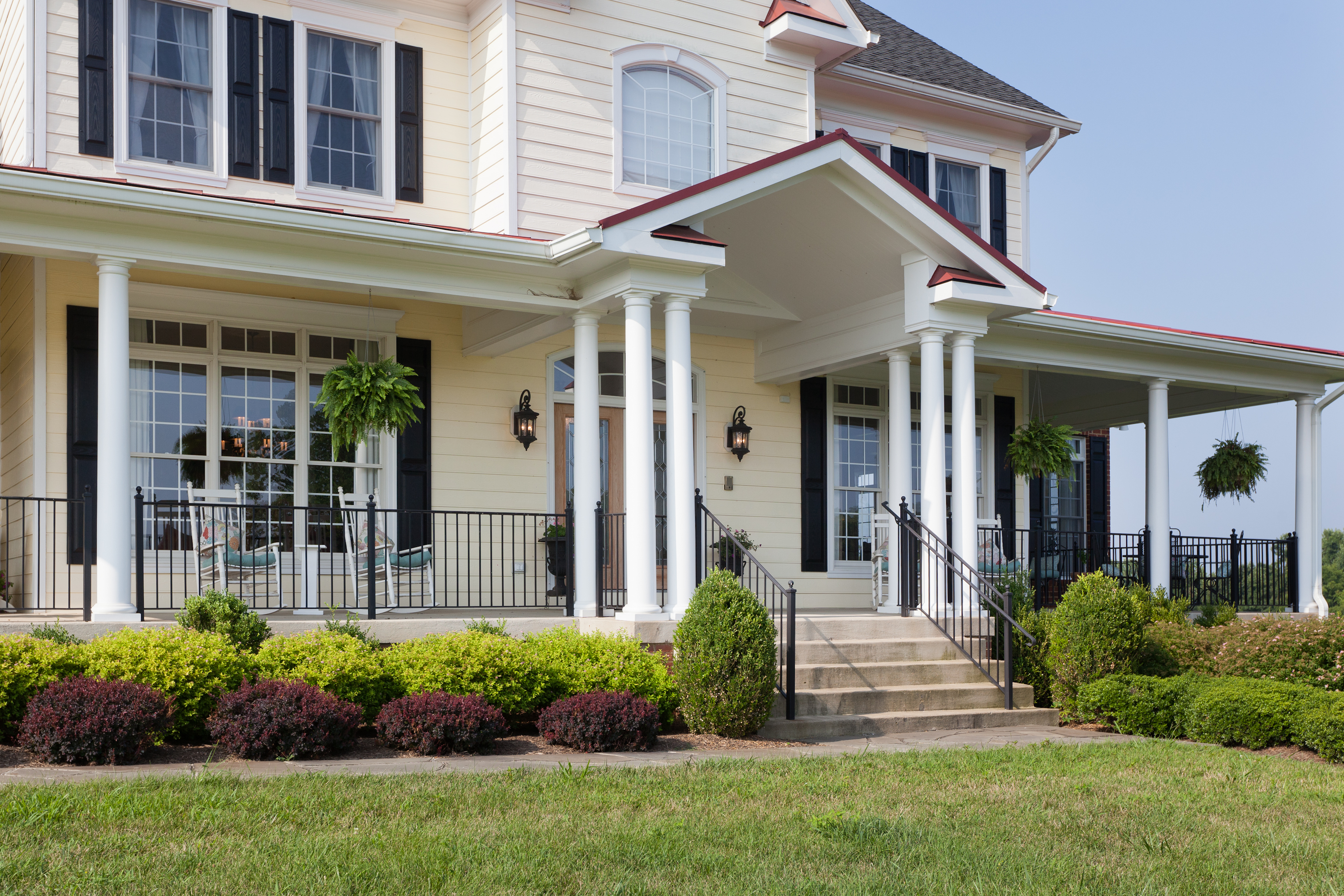 Country estate fairhaven homes for Front porch homes